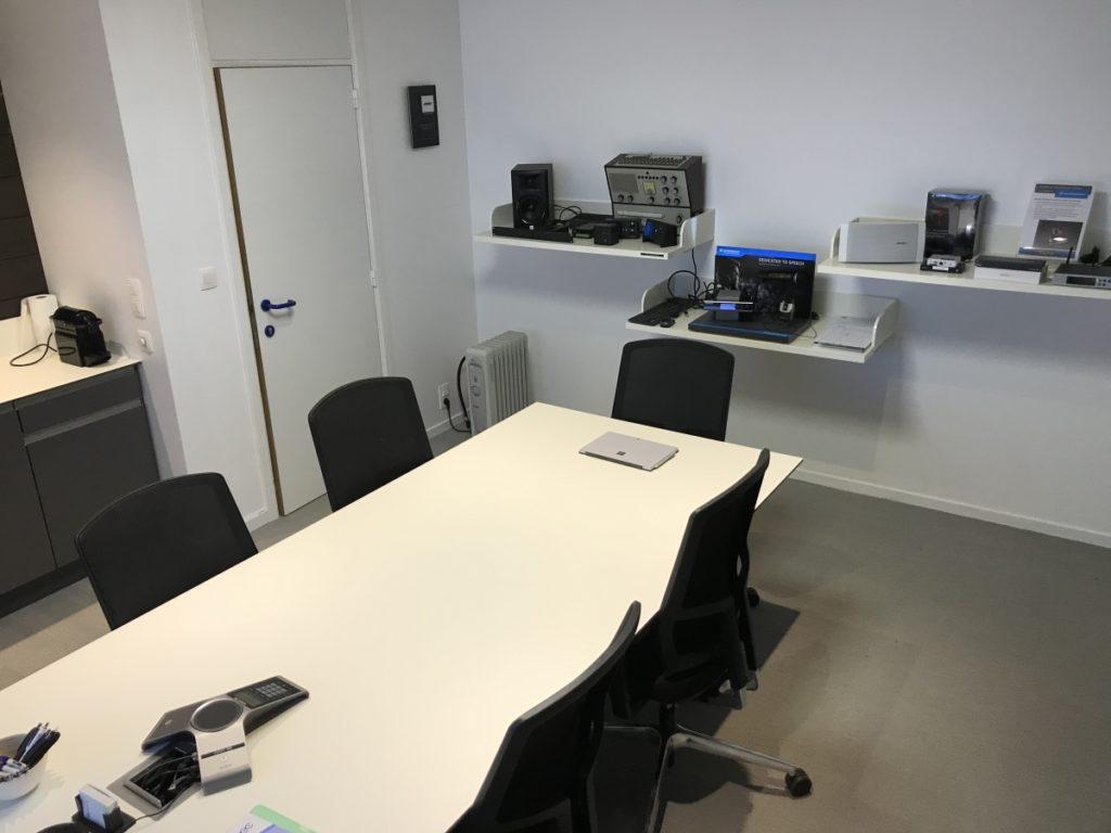 Ecran interactif meting room